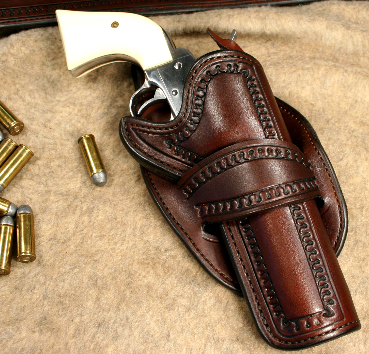 how to wear a western gun belt
